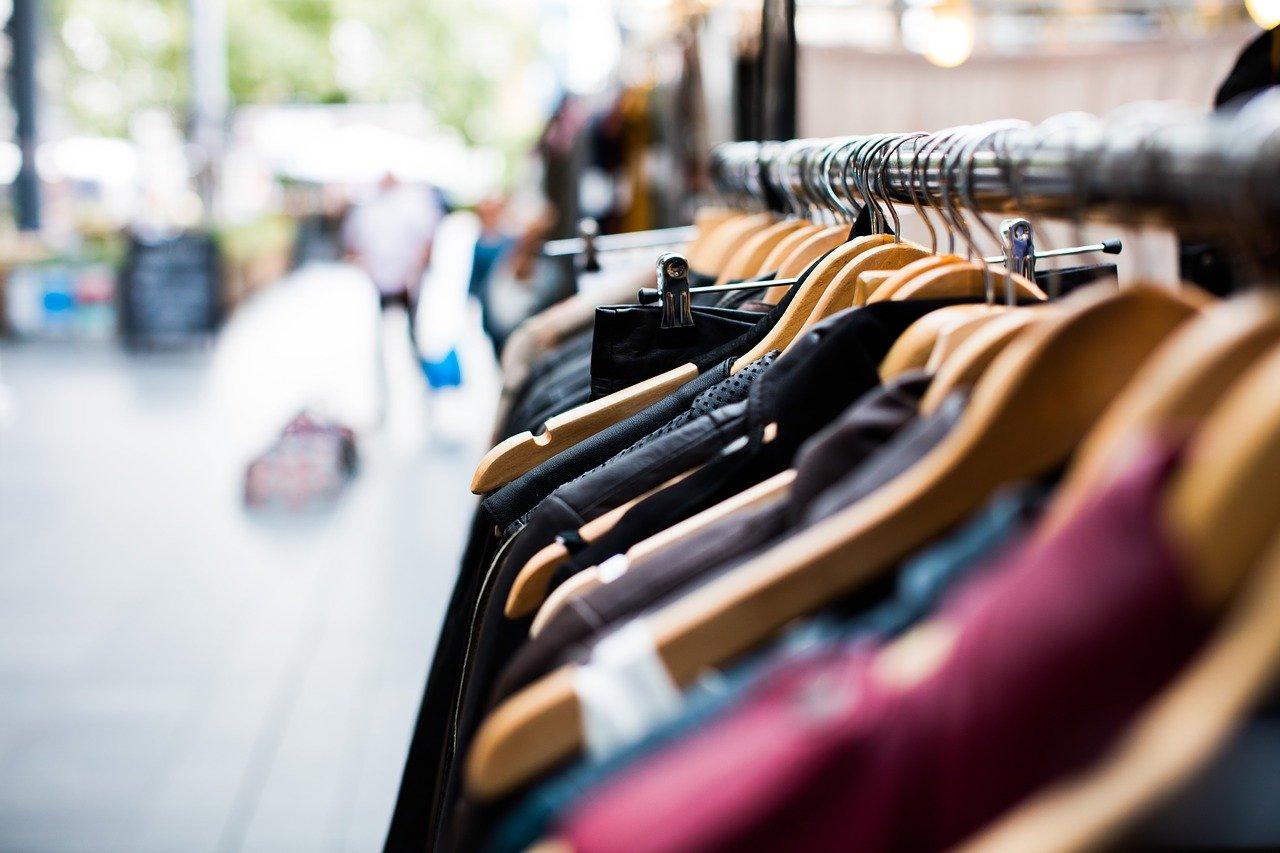Memulai Bisnis Fashion dengan Brand Sendiri
